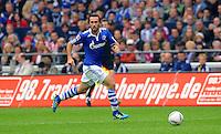 """18. September 2011: Gelsenkirchen, Veltins-Arena """"Auf Schalke"""": Fussball 1. Bundesliga, 6. Spieltag: FC Schalke 04 - FC Bayern Muenchen: Schalkes Christian Fuchs am Ball."""