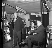 14/01/1963<br /> 01/14/1963<br /> 14 January 1963<br /> Opening of Irish Hotel and Catering Trades Exhibition at the Mansion House, Dublin. Picture shows The Lord Mayor of Dublin, Alderman J.J. O'Keeffe T.D., P.C., officials opening the exhibition. Also in the picture are, The Lady Mayoress and Mr Jack D. Rose (right), Organiser of the exhibition.
