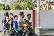 School transport, Agra, Uttar Pradesh, India / Transporte escolar, Agra, Uttar Pradesh, India