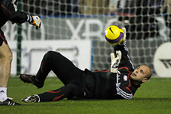 Reading, England - Saturday, December 8, 2007: Liverpool's goalkeeper Jose Pepe Reina warms-up before the Premiership match against Reading at the Madejski Stadium. (Photo by David Rawcliffe/Propaganda)