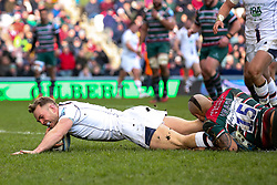 Perry Humphreys of Worcester Warriors scores a try - Mandatory by-line: Robbie Stephenson/JMP - 29/02/2020 - RUGBY - Welford Road Stadium - Leicester, England - Leicester Tigers v Worcester Warriors - Gallagher Premiership Rugby