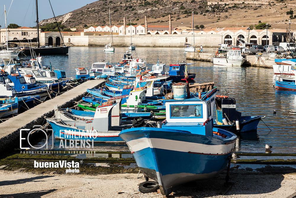 Favignana, Sicilia, Italia, 2016<br /> I pescatori di Favignana<br /> <br /> Favignana, Sicily, Italy, 2016<br /> Fishermen in Favignana, Aegadian Islands.