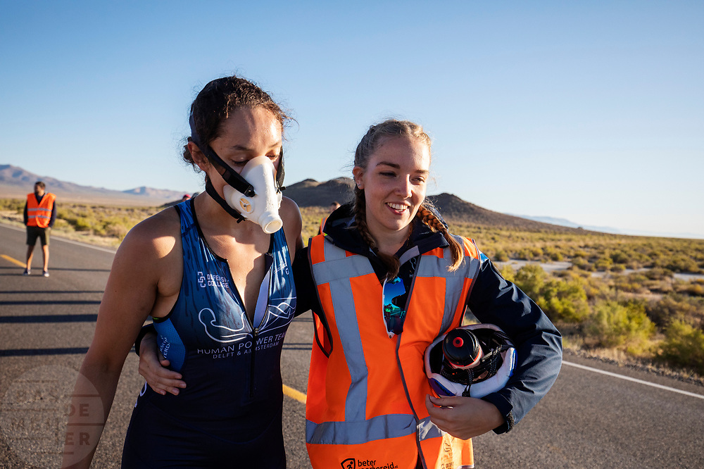 De ochtendruns op de vijfde racedag. Het Human Power Team Delft en Amsterdam, dat bestaat uit studenten van de TU Delft en de VU Amsterdam, is in Amerika om tijdens de World Human Powered Speed Challenge in Nevada een poging te doen het wereldrecord snelfietsen voor vrouwen te verbreken met de VeloX 9, een gestroomlijnde ligfiets. Op 10 september 2019 verbreekt het team met Rosa Bas het record met 122,12 km/u. De Canadees Todd Reichert is de snelste man met 144,17 km/h sinds 2016.<br /> <br /> With the VeloX 9, a special recumbent bike, the Human Power Team Delft and Amsterdam, consisting of students of the TU Delft and the VU Amsterdam, wants to set a new woman's world record cycling in September at the World Human Powered Speed Challenge in Nevada. On 10 September 2019 the team with Rosa Bas a new world record with 122,12 km/u.  The fastest man is Todd Reichert with 144,17 km/h.