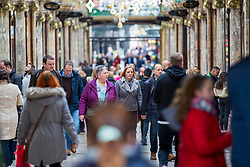© Licensed to London News Pictures. 22/12/2018. Leeds UK. Super Saturday Christmas shoppers in Leeds today. Retailers are hoping for a surge in sales this weekend as shoppers switch from ordering online to hitting the high street for last-minute Christmas purchases.  About £1.4bn is expected to be spent in stores on Saturday alone. Photo credit: Andrew McCaren/LNP