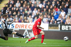 27.04.2013, St. James Park, Newcastle, ENG, Premier League, Newcastle United vs FC Liverpool, 35. Runde, im Bild Liverpool's Jordan Henderson scores the second goal against Newcastle United during the English Premier League 35th round match between Newcastle United and Liverpool FC at the St. James Park, Newcastle, Great Britain on 2013/04/27. EXPA Pictures © 2013, PhotoCredit: EXPA/ Propagandaphoto/ David Rawcliffe..***** ATTENTION - OUT OF ENG, GBR, UK *****