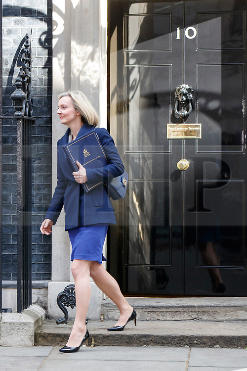 © Licensed to London News Pictures. 18/04/2017. London, UK. Justice Secretary LIZ TRUSS leaves Downing Street after Prime Minister Theresa May called for an early election on 18 April 2017.  Photo credit: Tolga Akmen/LNP