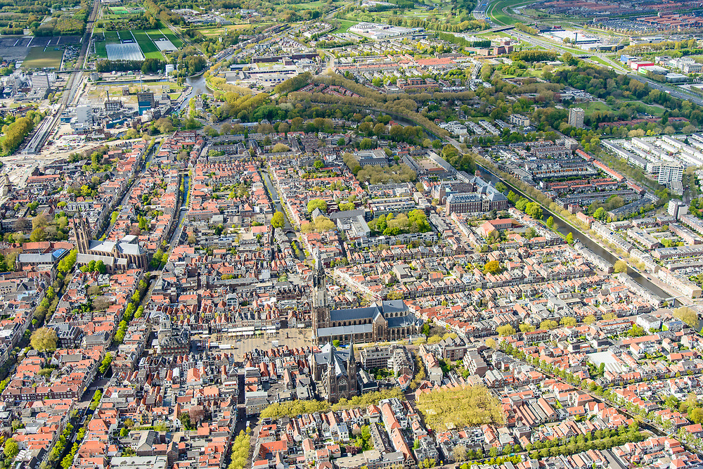 Nederland, Zuid-Holland, Gemeente Delft, 28-04-2017; centrum Delft, Markt met Nieuwe Kerk en Stadhuis.<br /> City centre Delft.<br /> luchtfoto (toeslag op standard tarieven);<br /> aerial photo (additional fee required);<br /> copyright foto/photo Siebe Swart