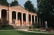 Deutschland, Germany,Baden-Wuerttemberg.Schwarzwald.Baden-Baden, Kurpark, Trinkhalle (Friedrichsquelle).Black Forest, Baden-Baden, pump room...