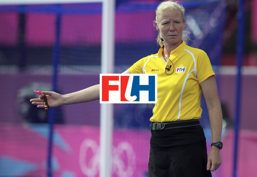 LONDON - Olympische Spelen 2012.women match.Japan v Belgium.foto: umpire Stella Bartlema..FFU PRESS AGENCY COPYRIGHT FRANK UIJLENBROEK.