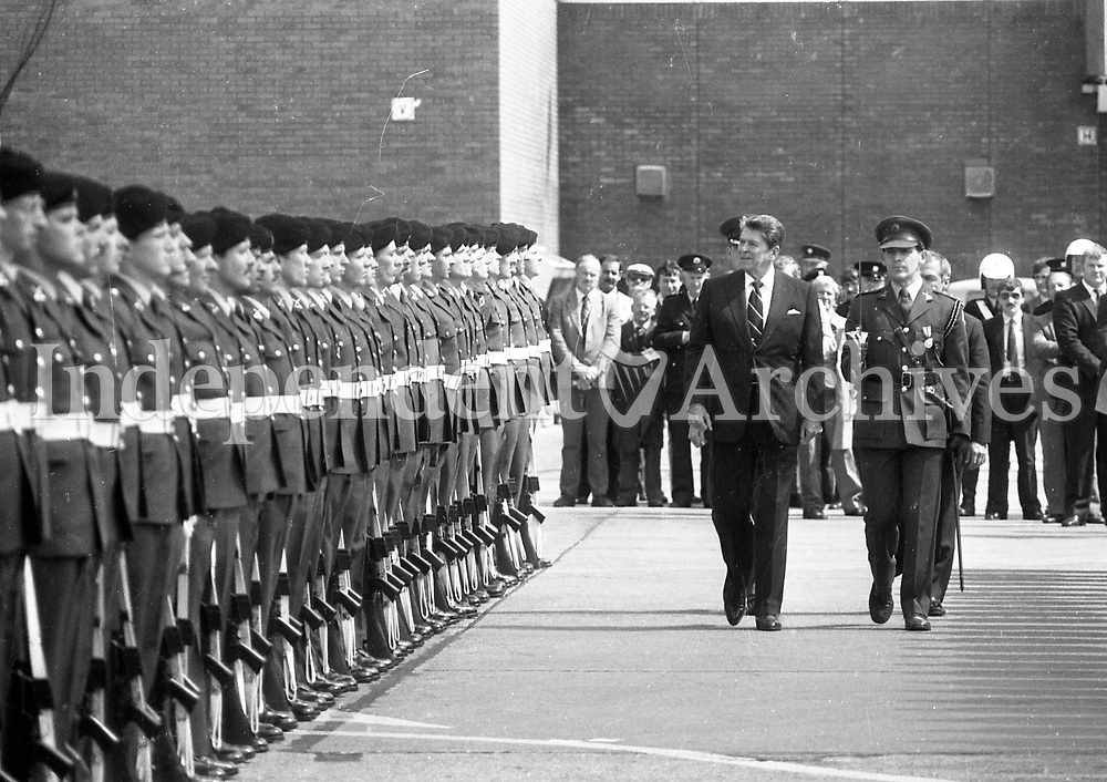 American President Ronald Reagan at Dublin airport as he and his wife Nancy prepare to leave Ireland, 04/06/1984.<br /> (Part of the Independent Newspapers Ireland/NLI Collection).