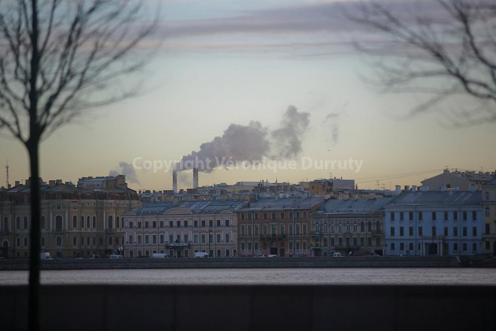 On the Neva, St Petersburg, Russia // Le long de la Neva, Saint-Petersbourg, Russie