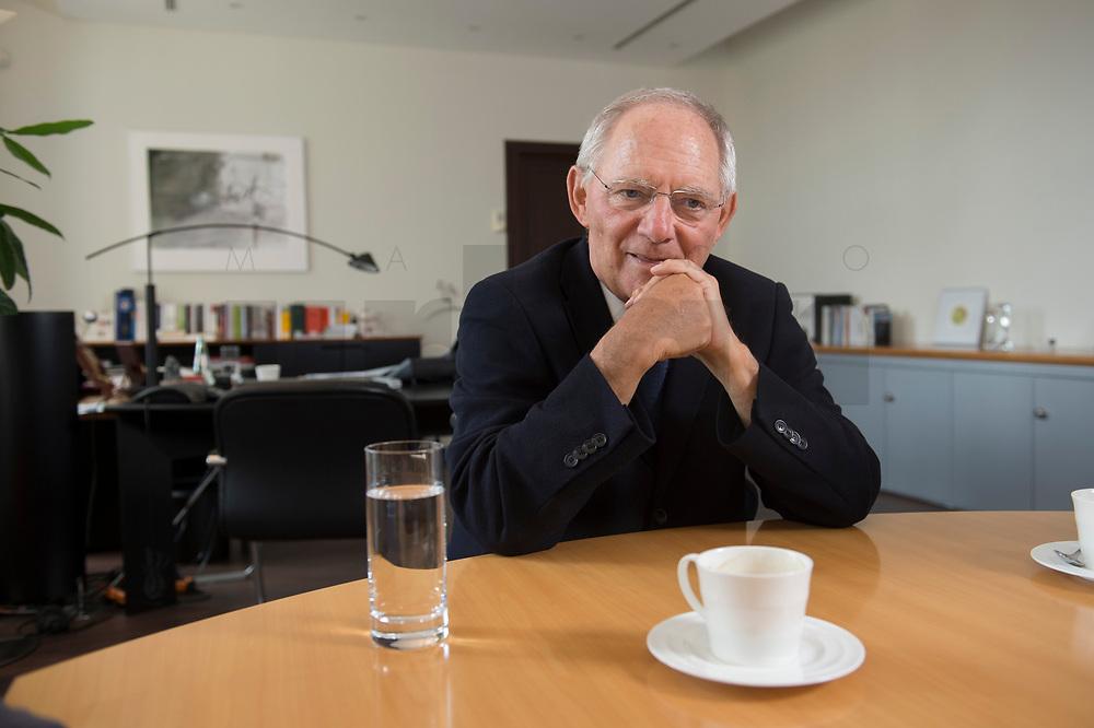 16 JUL 2014, BERLIN/GERMANY:<br /> Wolfgang Schaeuble, CDU, Bundesfinanzminister, waehrend einem Interview, in seinem Buero, Bundesministerium der Finanzen<br /> IMAGE: 20140716-02-018<br /> KEYWORDS: Wolfgang Schäuble, Büro