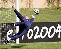 Fotball<br /> EM-sluttspill 2004<br /> Portugal<br /> 10. juni 2004<br /> Foto: Digitalsport<br /> NORWAY ONLY<br /> Oliver Kahn, Tyskland, på trening