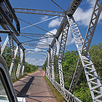 Puente de Hierro via al Puerto de Samariapo, estado Amazonas, Venezuela. ©Jimmy Villalta