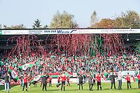 NIJMEGEN - NEC - Vitesse , Voetbal , Eredivisie , Seizoen 2016/2017 , Stadion de Goffert , 23-10-2016 , Opkomst van de spelers in een sfeervol stadion