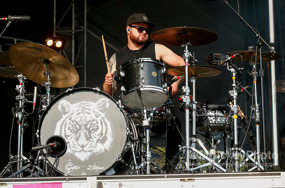 CHICAGO, IL - AUGUST 05: Ben Thatcher of Royal Blood performs at Grant Park on August 5, 2017 in Chicago, Illinois. (Photo by Michael Hickey/Getty Images) *** Local Caption *** Ben Thatcher