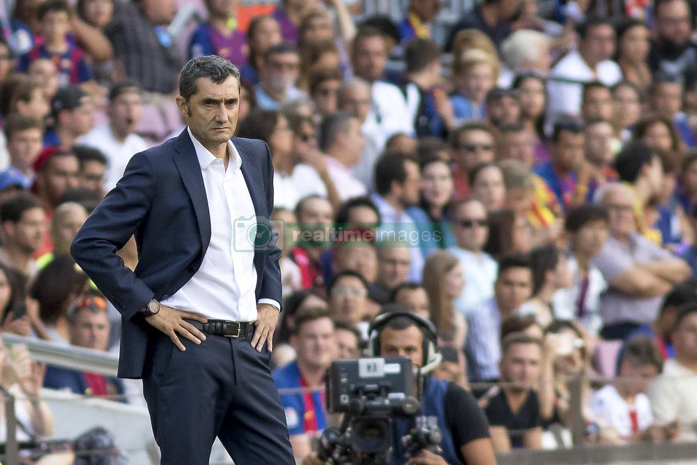 صور مباراة : برشلونة - هويسكا 8-2 ( 02-09-2018 )  20180902-zaa-n230-425