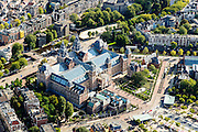 Nederland, Noord-Holland, Amsterdam, 27-09-2015; Rijksmuseum gezien vanuit het Westen en Museumplein, richting Stadhouderskade.<br /> luchtfoto (toeslag op standard tarieven);<br /> aerial photo (additional fee required);<br /> copyright foto/photo Siebe Swart