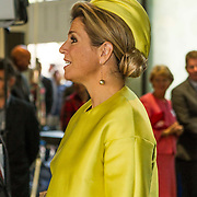NLD/Amsterdam/20140930 - Konining Maxima opent museum Micropia,