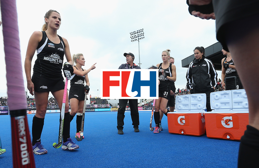 LONDON, ENGLAND - JUNE 19: New Zealand coach Mark Hager talks to his players at third break during the FIH Women's Hockey Champions Trophy match between Australia and New Zealand at Queen Elizabeth Olympic Park on June 19, 2016 in London, England.  (Photo by Alex Morton/Getty Images)