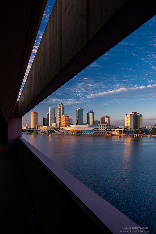 Downtown Tampa Florida photo by Architectural and Interior Design Photographer Jeffrey Sauers of Commercial Photographics