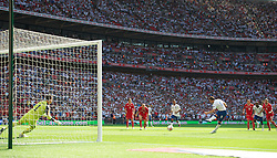 LONDON, ENGLAND - Saturday, June 4, 2011: England's Frank Lampard scores the first goal against Switzerland's from the penalty spot during the UEFA Euro 2012 qualifying Group G match at Wembley Stadium. (Photo by David Rawcliffe/Propaganda)