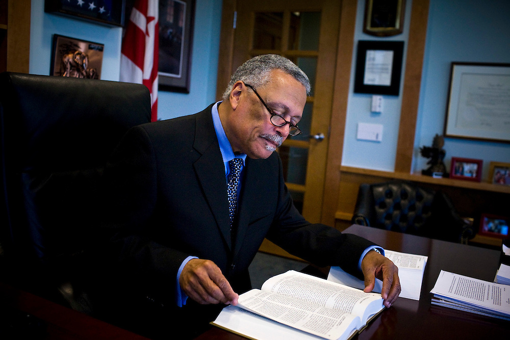 CREDIT: DOMINIC BRACCO II FOR THE WASHINGTON POST..SLUG:na/sullivan..DATE:4/9/2009..CAPTION: Judge Emmet G. Sullivan works at his office on April 9, 2009 in D.C. Sullivan threw out the indictment against former Sen. Ted Stevens this week.