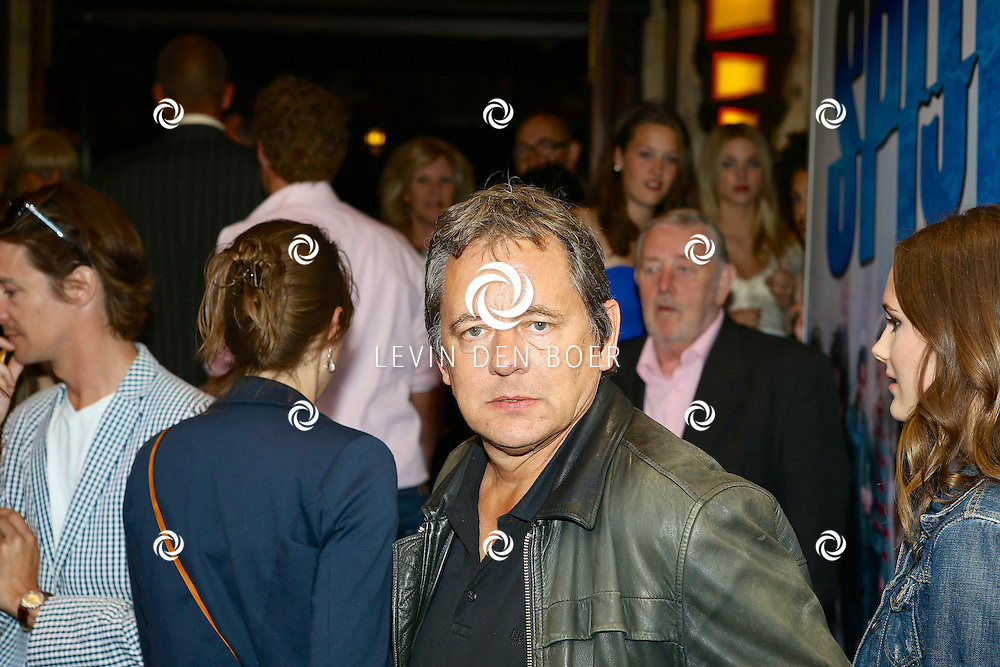 AMSTERDAM - In het Tuschinski Theater is de filmpremière Spijt. Met hier op de foto  Dick Maas. FOTO LEVIN DEN BOER - PERSFOTO.NU