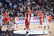 DESCRIZIONE : Milano Lega A 2014-15 Olimpia EA7 Emporio Armani Milano - Vitoria<br /> GIOCATORE : Alessandro Gentile<br /> CATEGORIA : Tiro<br /> SQUADRA : Olimpia EA7 Emporio Armani Milano<br /> EVENTO : Campionato Lega A 2015-2016<br /> GARA : Olimpia EA7 Emporio Armani Milano - Vitoria<br /> DATA : 16/10/2015<br /> SPORT : Pallacanestro<br /> AUTORE : Agenzia Ciamillo-Castoria/M.Ozbot<br /> Galleria : Lega Basket A 2015-2016 <br /> Fotonotizia: Milano Lega A 2015-16 Olimpia EA7 Emporio Armani Milano - Vitoria