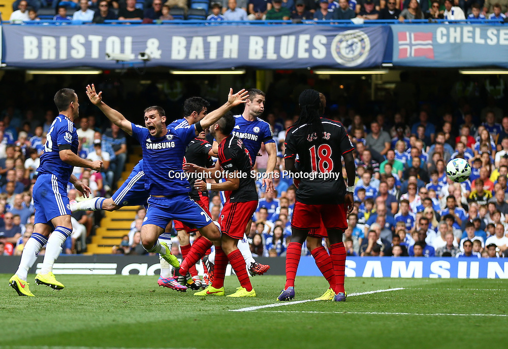 13 September 2014 - Barclays Premier League - Chelsea v Swansea City - Diego Costa of Chelsea scores his first goal - Photo: Marc Atkins / Offside.