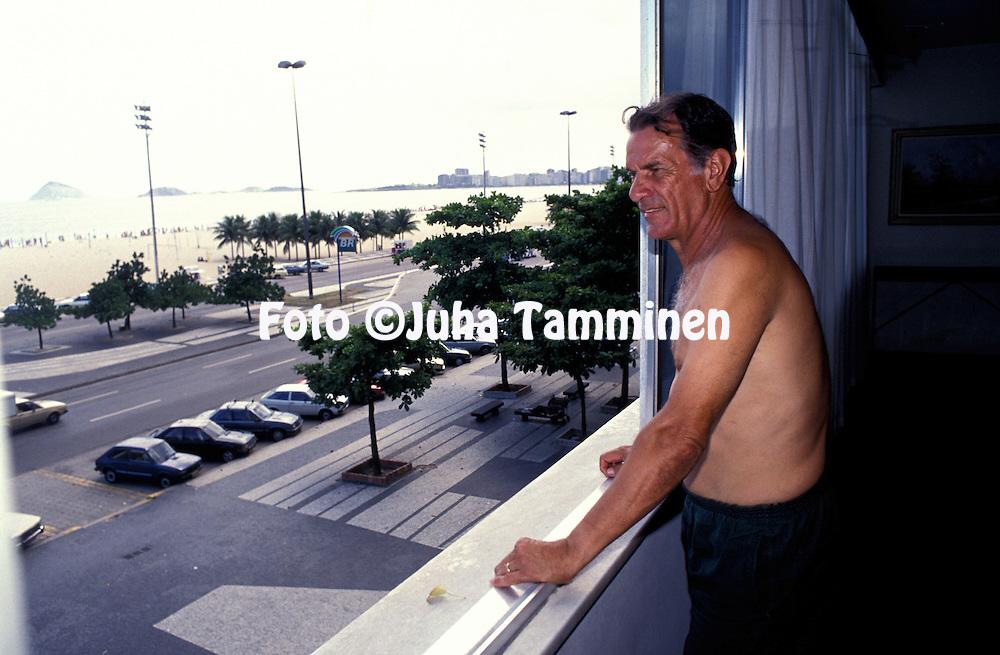 13.12.1989, Rio de Janeiro, Brazil..Coach Tel Santana at home in Rio de Janeiro, where he lives at Avenida Atl?ntica with a view of the beaches of Leme and Copacabana..Full name: Tel Santana da Silva.©Juha Tamminen