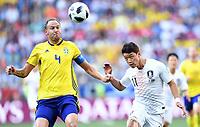 v.l. Andreas Granqvist, Hee-Chan Hwang (Suedkorea)<br /> Nischni Nowgorod, 18.06.2018, FIFA Fussball WM 2018 in Russland, Vorrunde, Schweden - Suedkorea 1:0<br /> Sverige - Syd-korea<br /> <br /> Norway only
