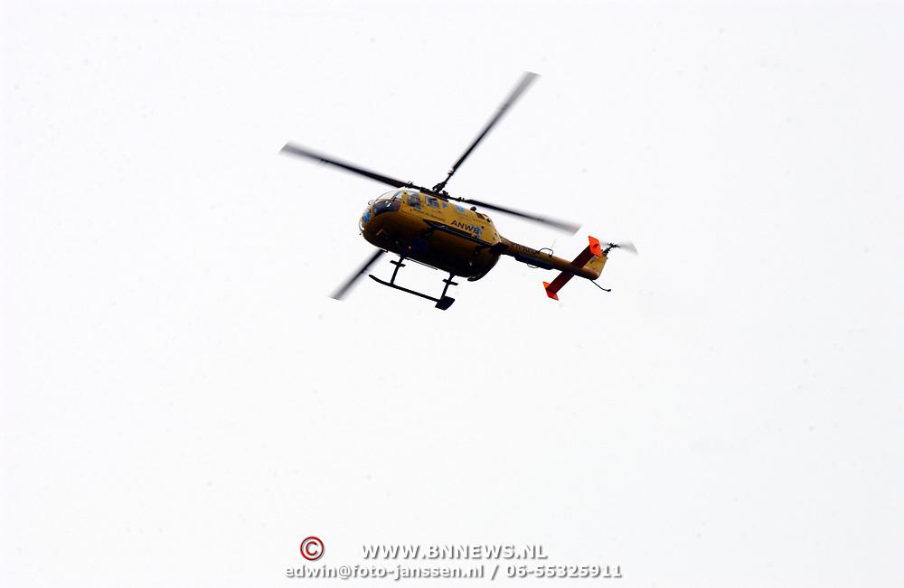 Ongeval Ceintuurbaan - Nieuw Bussummerweg Huizen, fietser onder vrachtwagen, traumahelicopter