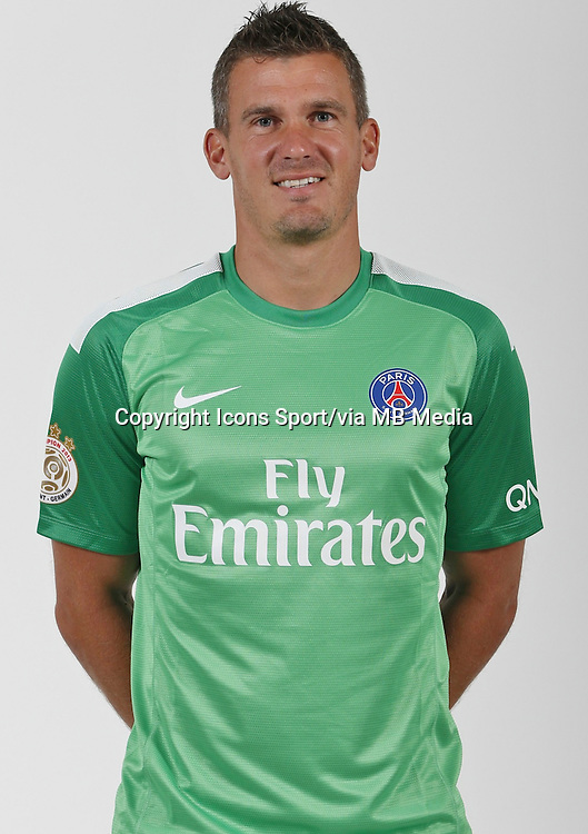 Nicolas DOUCHEZ - 26.09.2013 - Photo officielle - Paris Saint Germain 2013/2014 - Ligue 1<br /> Photo : Icon Sport