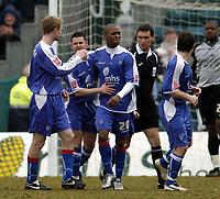 Photo: Olly Greenwood.<br />Gillingham v Swansea City. Coca Cola League 1. 25/03/2006. Gillingham.s Darren Byfild celebrates scoring from the penalty spot