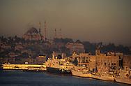 Turkey. Istanbul. port on the Bosphore,          /  Le port d'Istamboul, sur le Bosphore, Turquie    Mediteranee   /      L004579  /  R00402  /  P111961