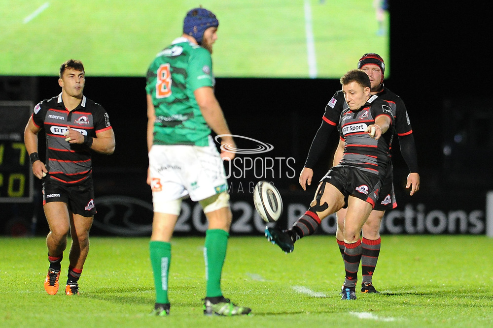 Duncan Weir kicks for touch during the Guinness Pro 14 2017_18 match between Edinburgh Rugby and Benetton Treviso at Myreside Stadium, Edinburgh, Scotland on 15 September 2017. Photo by Kevin Murray.