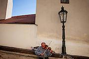 Strassen Musiker in der Nähe der Prager Burg.