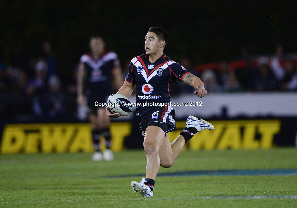 Shaun Johnson makes a break during the NRL Rugby League match, Vodafone Warriors v Melbourne Storm at Mt Smart Stadium, Auckland, New Zealand on Sunday. Photo: Andrew Cornaga/photosport.co.nz