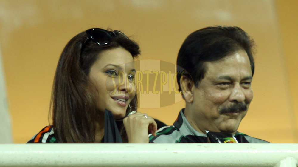 Daina Hayden and Subroto Roy during  match 10 of the Indian Premier League ( IPL ) Season 4 between the Pune Warriors and the KJochi Tuskers Kerala held at the Dr DY Patil Sports Academy, Mumbai India on the 12th April 2011..Photo by Sandeep Shetty/BCCI/SPORTZPICS