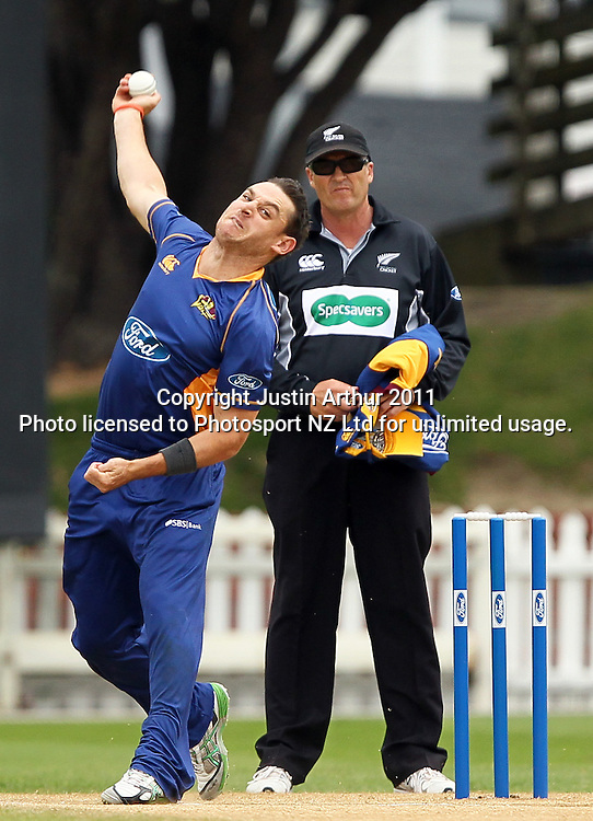 Nathan McCullum in action. Ford Trophy - Wellington Firebirds v Otago Volts, Hawkins Basin Reserve, Sunday 4 December 2011. Photo: Justin Arthur / Photosport.co.nz