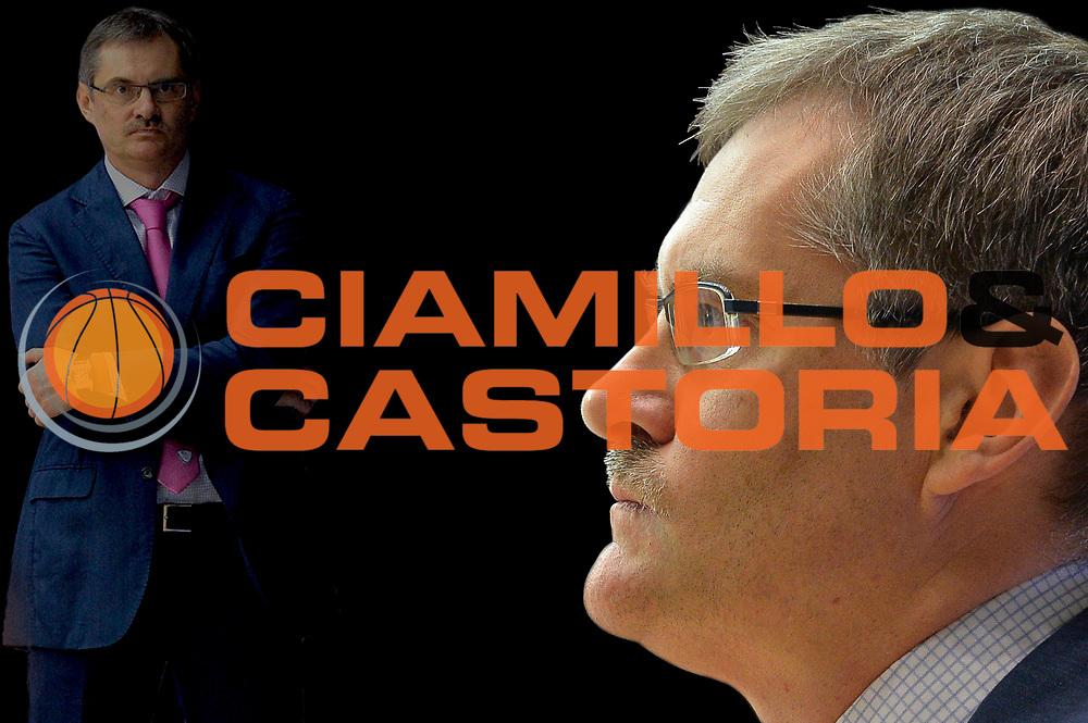 DESCRIZIONE : Cantù Lega A 2015-16 Acqua Vitasnella Cantu' vs Grissin Consultinvest Pesaro<br /> GIOCATORE : SERGEY BAZAREVICH<br /> CATEGORIA : Composizione<br /> SQUADRA : Acqua Vitasnella Cantu'<br /> EVENTO : Campionato Lega A 2015-2016<br /> GARA : Acqua Vitasnella Cantu' Consultinvest Pesaro<br /> DATA : 27/12/2015<br /> SPORT : Pallacanestro <br /> AUTORE : Agenzia Ciamillo-Castoria/I.Mancini<br /> Galleria : Lega Basket A 2015-2016  <br /> Fotonotizia : Cantu'  Lega A 2015-16 Acqua Vitasnella Cantu' vs Consultinvest Pesaro<br /> Predefinita :