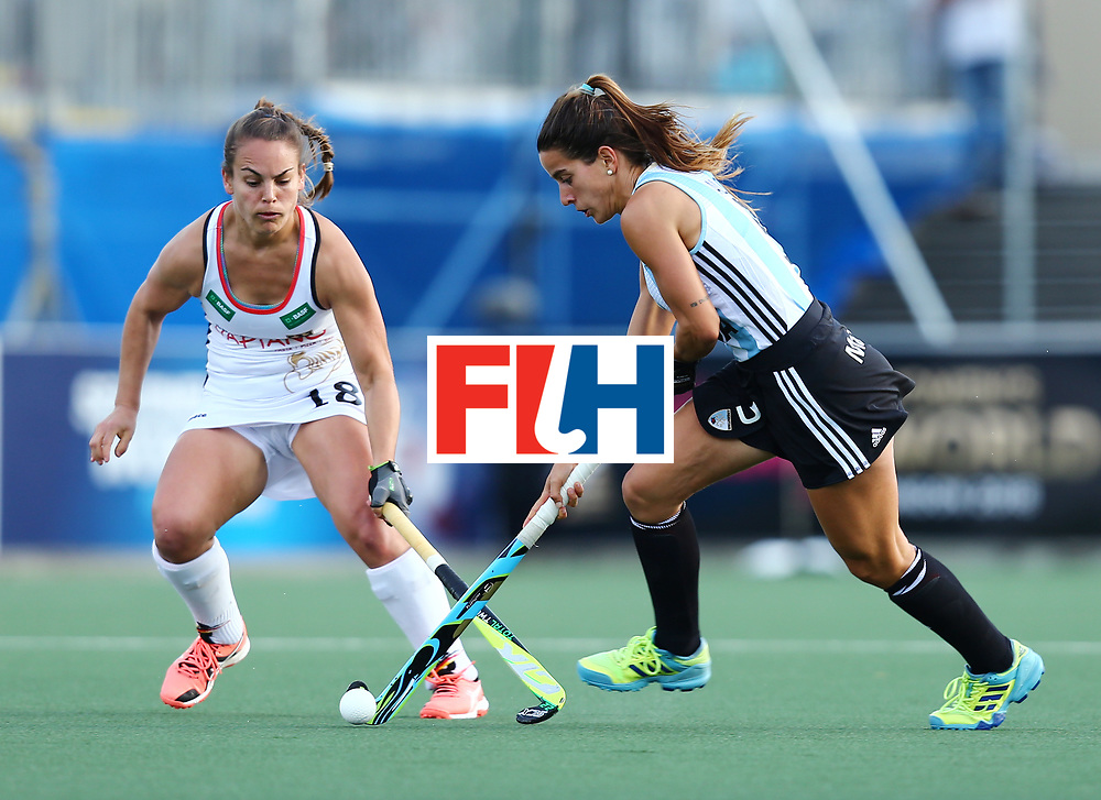 New Zealand, Auckland - 24/11/17  <br /> Sentinel Homes Women&rsquo;s Hockey World League Final<br /> Harbour Hockey Stadium<br /> Copyrigth: Worldsportpics, Rodrigo Jaramillo<br /> Match ID: 10307 - ARG-GER<br /> Photo: (5) ALONSO Agostina agaisnt (18) ALTENBURG Lisa (C)