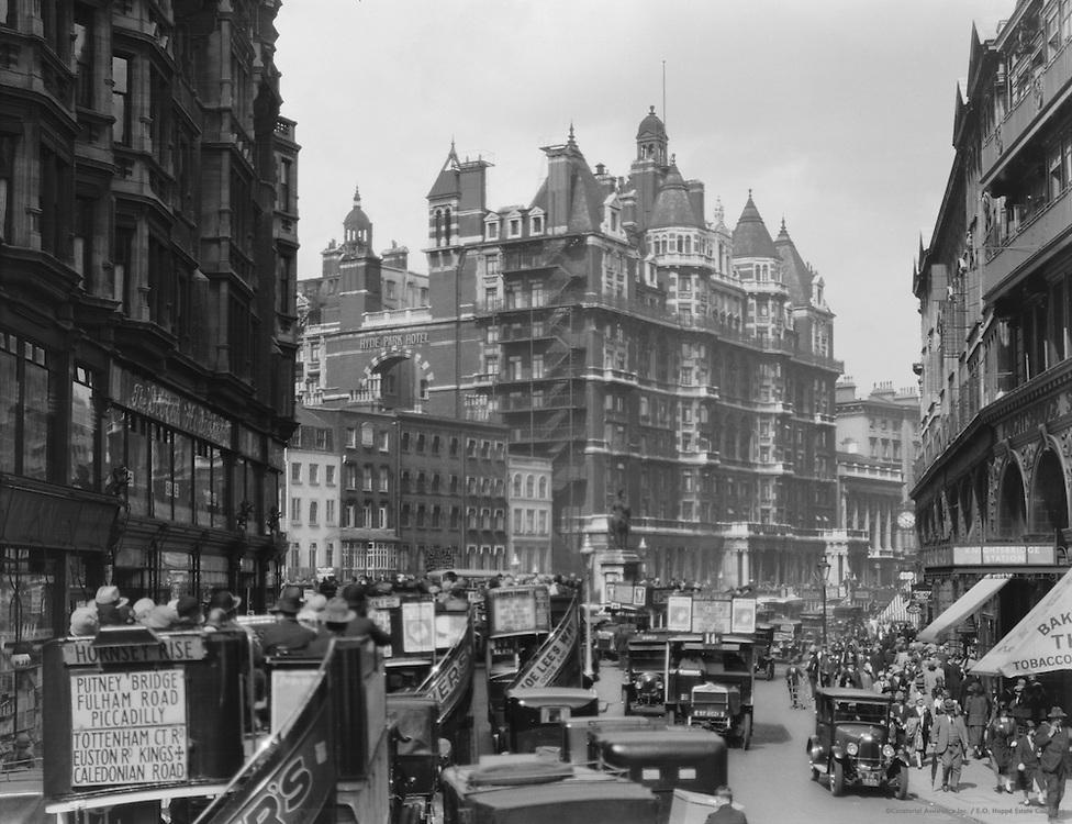 Knightsbridge with Traffic, London, 1925
