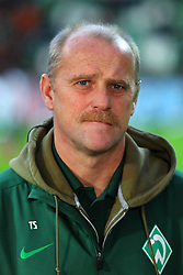 27.11.2011, Weser Stadion, Bremen, GER, 1.FBL, Werder Bremen vs VFB Stuttgart, im Bild Thomas Schaaf (coach SV Werder Bremen) // during the Match GER, 1.FBL, Werder Bremen vs VFB Stuttgart, Weser Stadion, Bremen, Germany, on 2011/11/27EXPA Pictures © 2011, PhotoCredit: EXPA/ nph/ SielskiSielski..***** ATTENTION - OUT OF GER, CRO *****