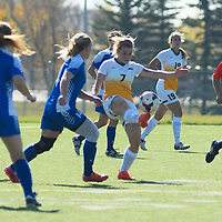 3rd year forward Brianna Wright (7) of the Regina Cougars in action during the women's soccer home game on October 1 at U of R Field. Credit: Arthur Ward/Arthur Images