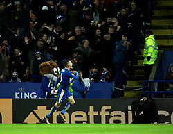 Jamie Vardy of Leicester City celebrates scoring his eleventh goal in as many games, a Premier League record - Mandatory byline: Robbie Stephenson/JMP - 28/11/2015 - Football - King Power Stadium - Leicester, England - Leicester City v Manchester United - Barclays Premier League