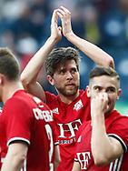 FODBOLD: Målscorer Martin Ørnskov (Lyngby BK) takker klubbens fans efter scoringen til 0-1 under kampen i ALKA Superligaen mellem Brøndby IF og Lyngby Boldklub den 18. maj 2017 på Brøndby Stadion. Foto: Claus Birch