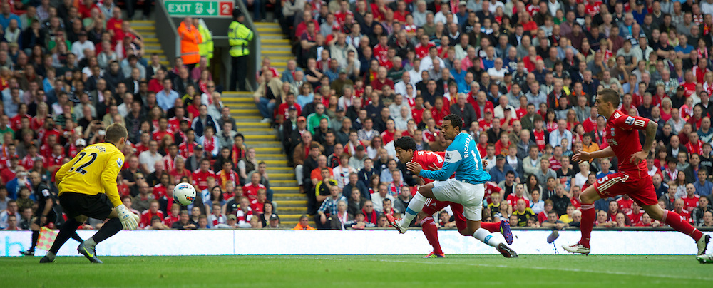 LIVERPOOL, ENGLAND - Saturday, August 13, 2011: Liverpool's Luis Alberto Suarez Diaz scores the first goal against Sunderland during the Premiership match at Anfield. (Pic by David Rawcliffe/Propaganda)