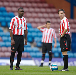 Widnes, England - Tuesday, September 4, 2007: Sunderland's Andy Cole and David Connolly kick-off against Everton during the Premier League Reserve match at the Halton Stadium. (Photo by David Rawcliffe/Propaganda)